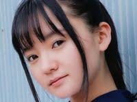 西永彩奈の黒ハイソックスなセーラー服画像