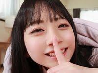 七沢みあが女子校生の制服コスでパンチラ誘惑VR