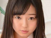 泉りおんの合法ロリな女子校生制服コスプレ画像