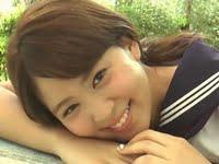 西崎莉麻のセーラー服と紺色ハイソックスなJK動画