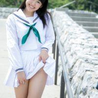 三輪晴香のセーラー服と白ハイソックスなJK動画