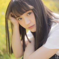 尾崎由香のチェック柄プリスカな女子校生制服画像
