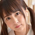浜田翔子の白ハイソックスなセーラー服画像