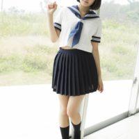 霜月めあの紺色ハイソックスなセーラー服画像
