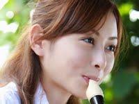 杉原杏里の黒ハイソックスな女子校生制服画像