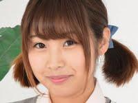 夢咲ひなみの白ハイソックスな女子校生制服画像