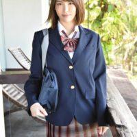 奈月セナのブレザーにニーハイな女子校生制服画像