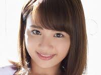 平嶋夏海の紺色ハイソックスなセーラー服画像