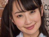 神坂ひなのの白ハイソックスな女子校生制服画像