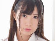 伊藤里織 グレイのベストにニーハイな女子校生画像