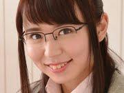 柳川あい 地味なメガネと紺ソックスの女子校生画像