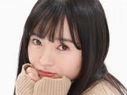 西永彩奈 カーディガンとプリスカの制服画像