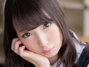福田もか 紺色ジャンスカとハイソックスな制服画像