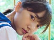 武田玲奈 紺色ハイソックスな白いセーラー服画像