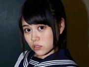 志崎ひなた 白ハイソックスなセーラー服画像