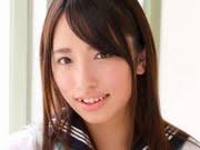 高梨瑞樹 白ソックスなセーラー服画像
