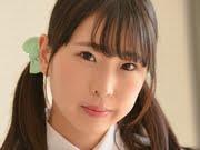 夏木紫帆 ミニスカ制服と白ハイソでお掃除パンチラ